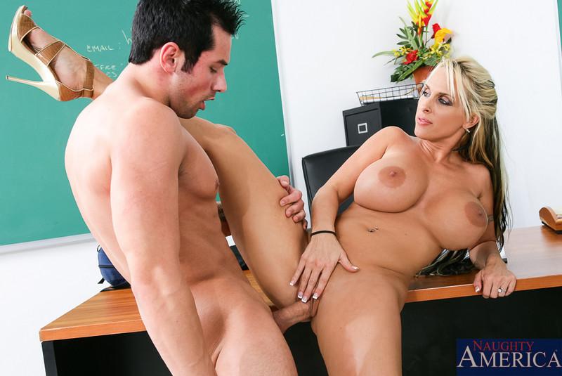Holly Halston In My First Sex Teacher  Full Hd Free Porn-4693